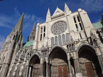 Chartres_Cathedral_exterior